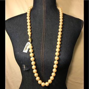🔆 SALE!!! Carolee women's faux pearls necklace